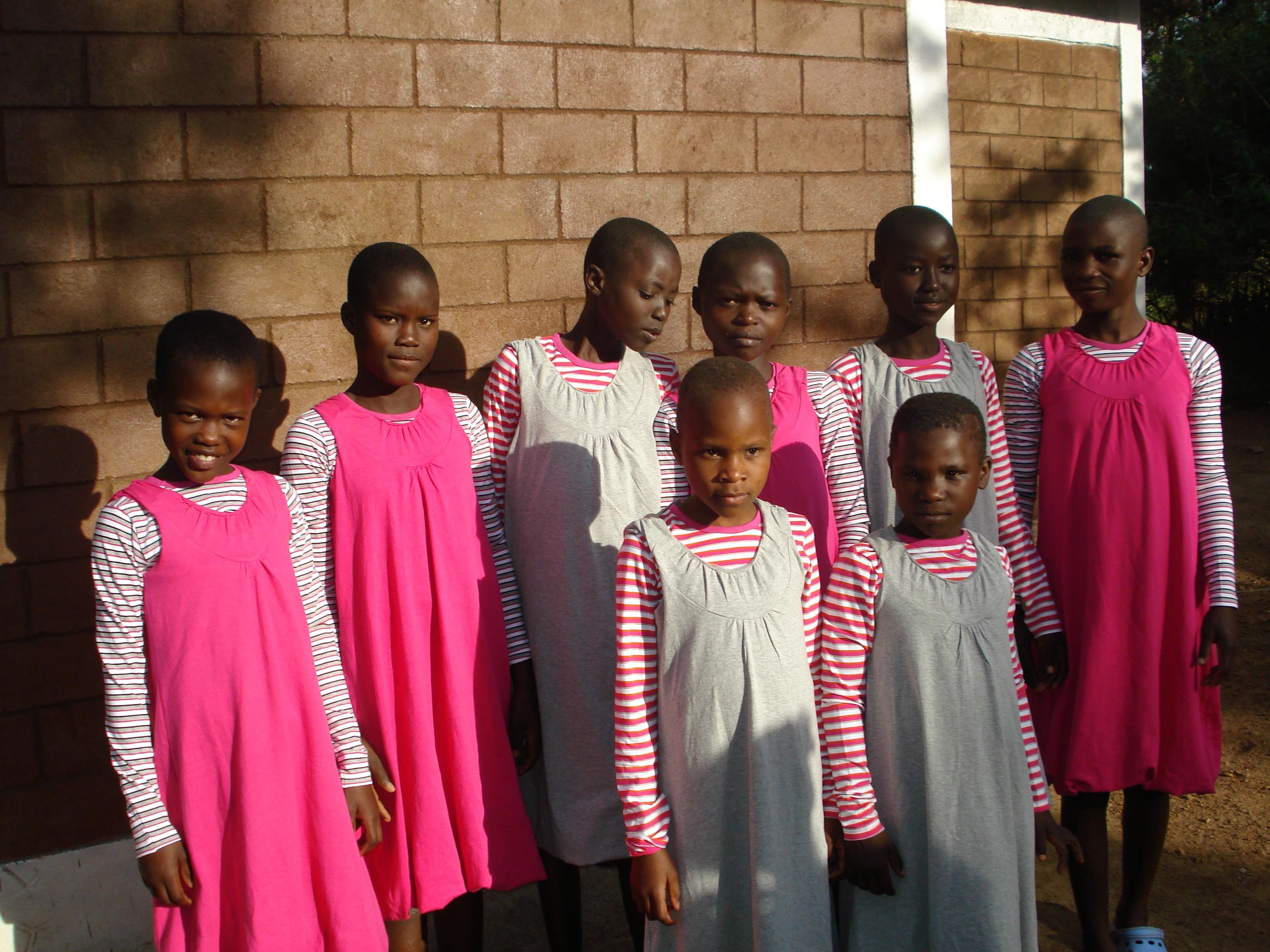 Noen av jentene på barnehjemmet