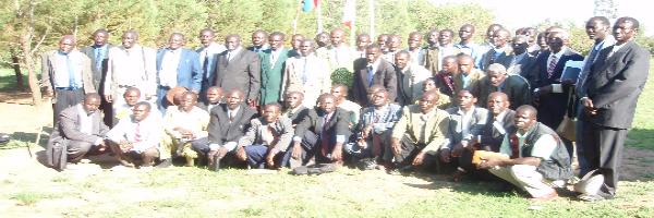 Alle evangelistene samlet når bibelskolen ble åpnet
